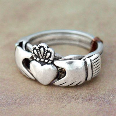 Claddagh 4 Band Puzzle Ring (size 6)