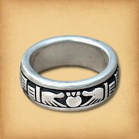 Claddagh Spin Ring (sizes 4, 5)