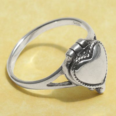 Heart Poison Ring - Sterling Silver Rings - Celtic Rings, Pagan Rings, Claddagh Rings, Unusual Rings, Nature Rings, Wedding Rings, Engagement Rings, Poison Rings, Locket Rings, Box Rings, Compartment Rings, Potion Rings, Hearts & Romance