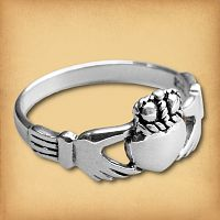 Silver Traditional Claddagh Ring