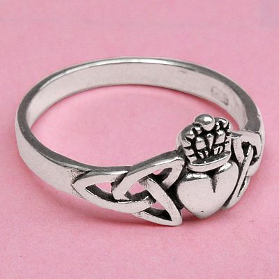 Knotwork Claddagh Ring for You at Gryphons Moon